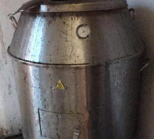 Lò quay gà vịt inox 201 dễ bị ố, đen, gỉ sắt